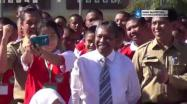 Embedded thumbnail for Gubernur Rustam Effendi Pantau Hari Pertama Masuk Sekolah